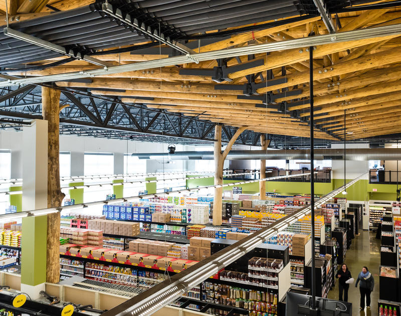 Grocery Store Goes Au Naturel