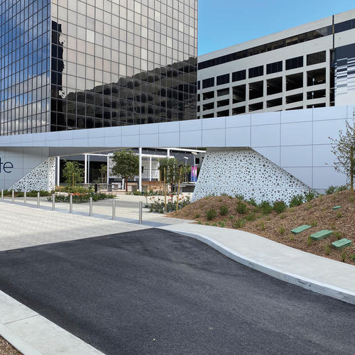 Flyte offices in El Segundo, Calif. uses Móz to cover a walkway